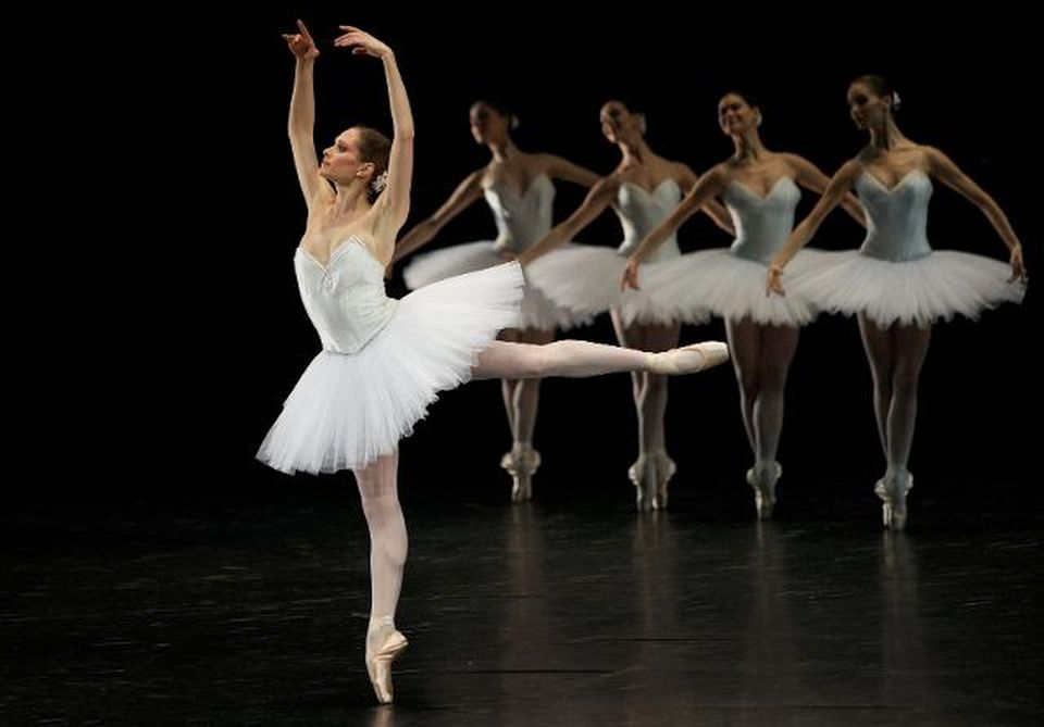 ballet-dancers-leaders
